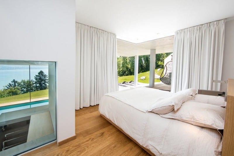 villa-californienne-label-bbc-vue-magique-sur-lac-a-vendre-cheminee-cave-vin-terrasse