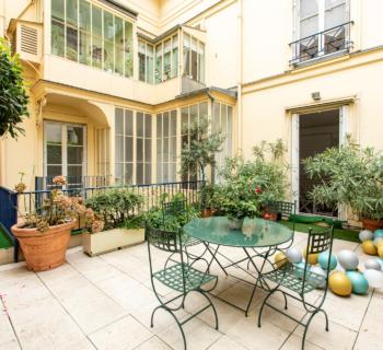 exceptional-apartment-for-sale-1st-district-paris-terrace-height-under-ceiling-cellars