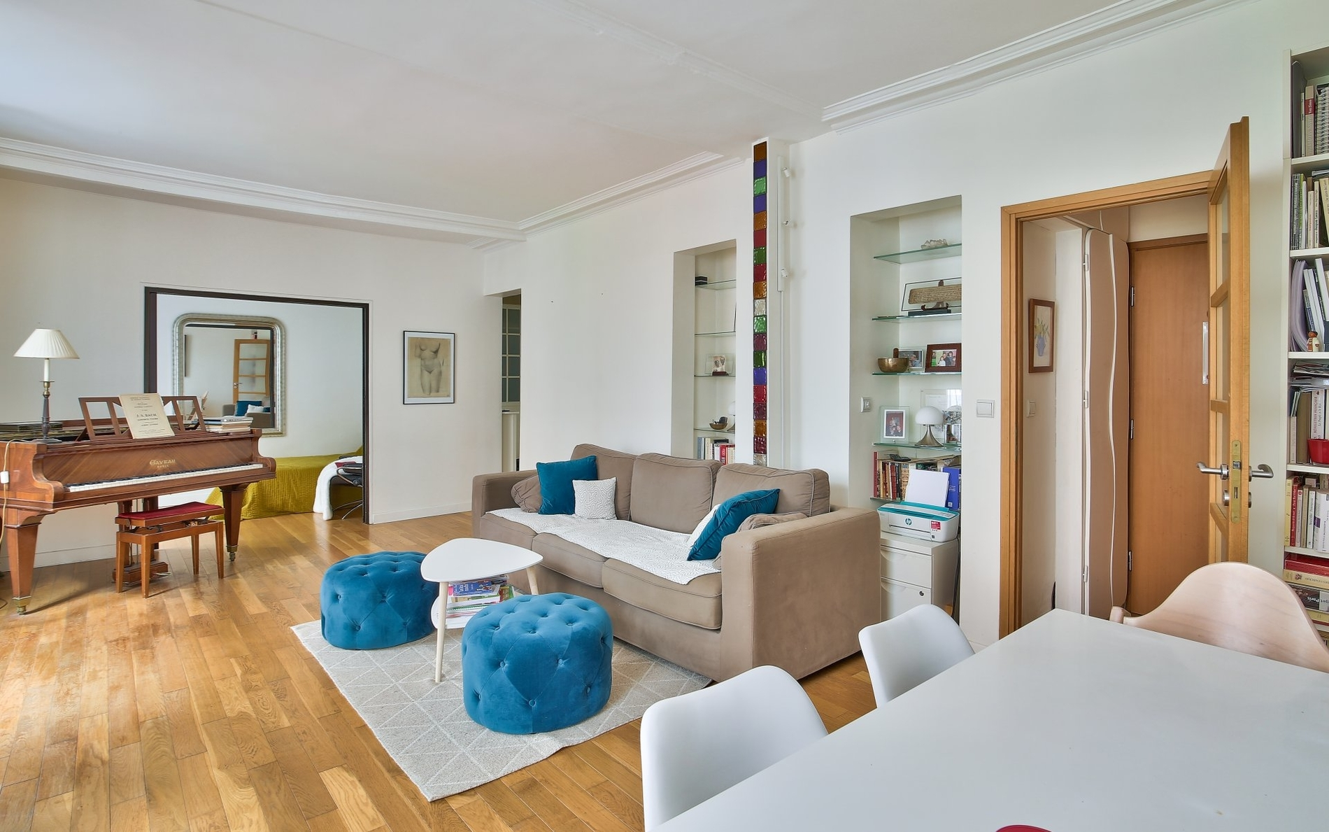 beautiful-south-facing-family-apartment-for-sale-highly-popular-neighbourhood-cellar