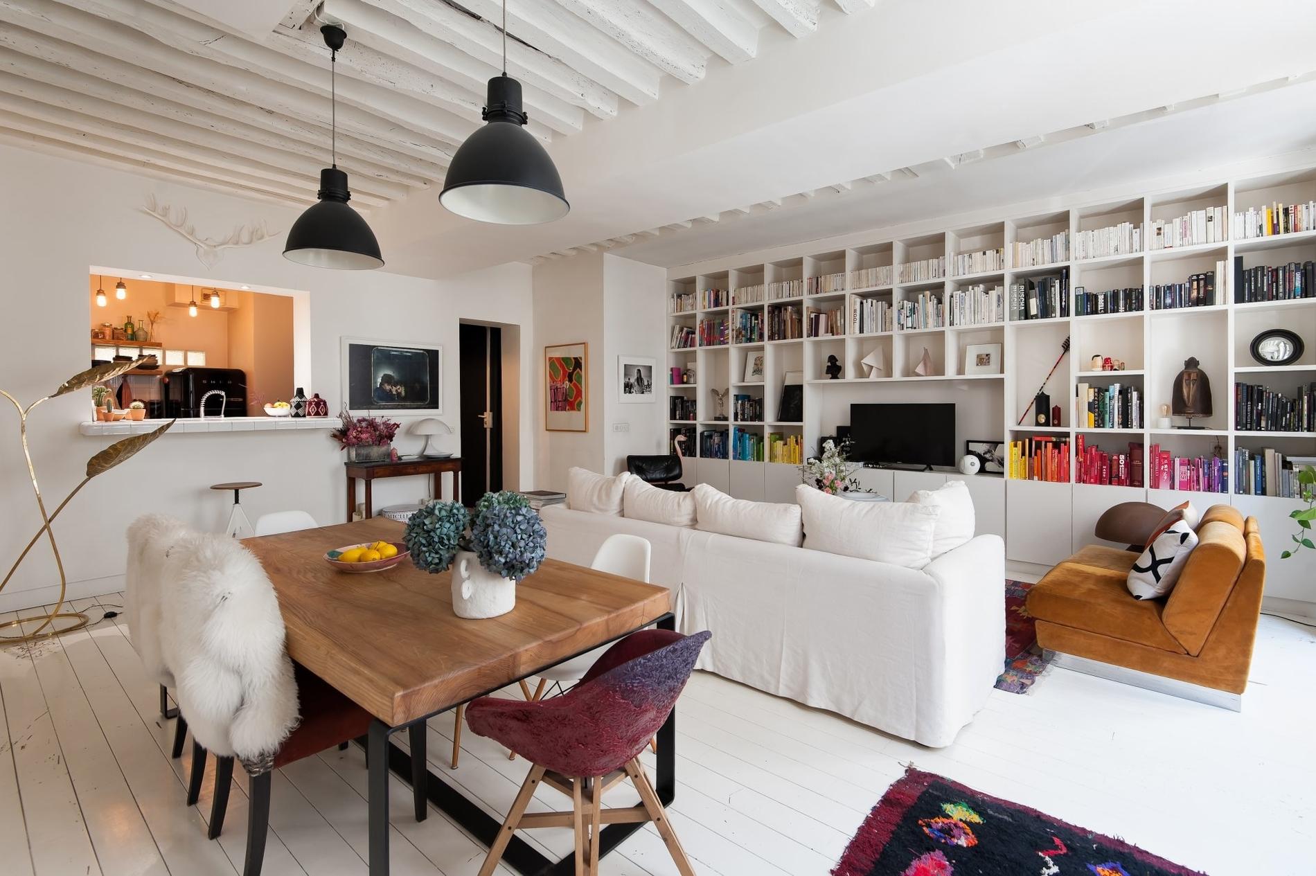 bien-exception-etage-noble-jolie-copropriete-arboree-3eme-arrondissement-charme-ancien-beaux-volumes