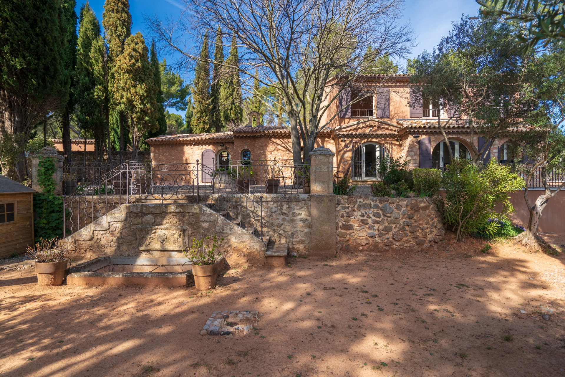 magnificent-16th-century-priory-completely-renovated-for-sale-tholonet-swimming-pool-storeroom-laundry-room-luxurious-amenities