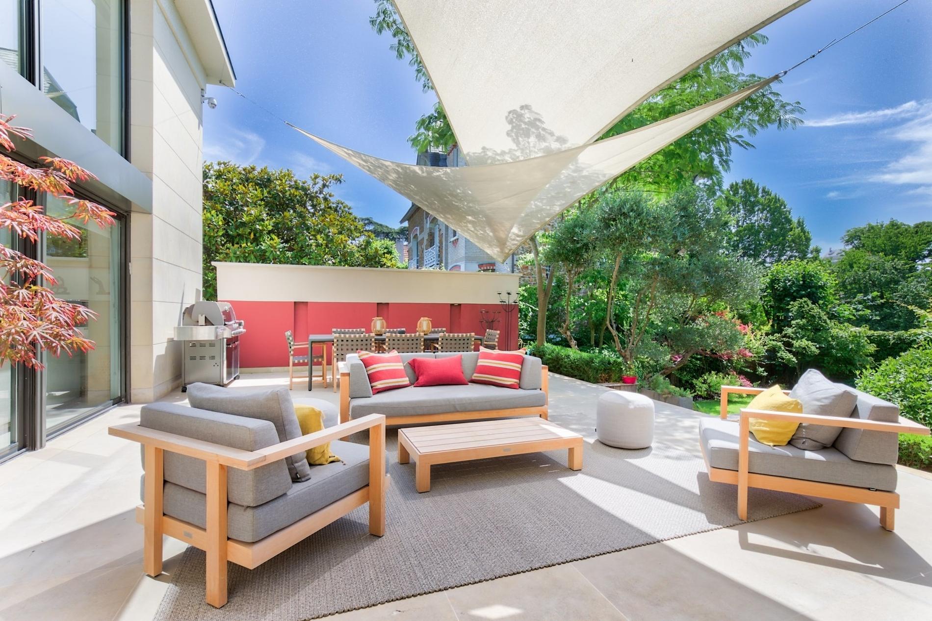 maison-architecte-a-vendre-perreux-sur-marne-piscine-grande-terrasse-hammam-cave-vin-garage