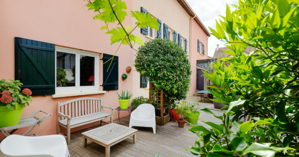house-provencal-charm-for-sale-suresnes-terrace-pergola-indoor-pool-wine-cellar-diy-workshop