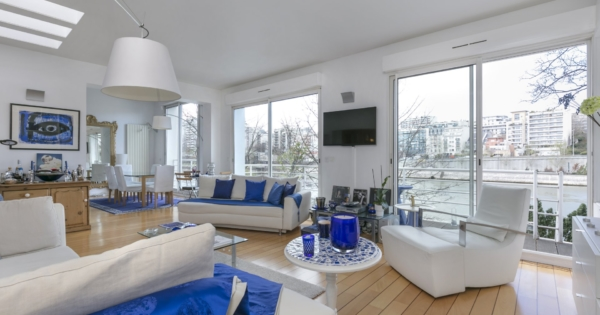 family-house-for-sale-balcony-exceptional-views-river-seine-garden-near-shops