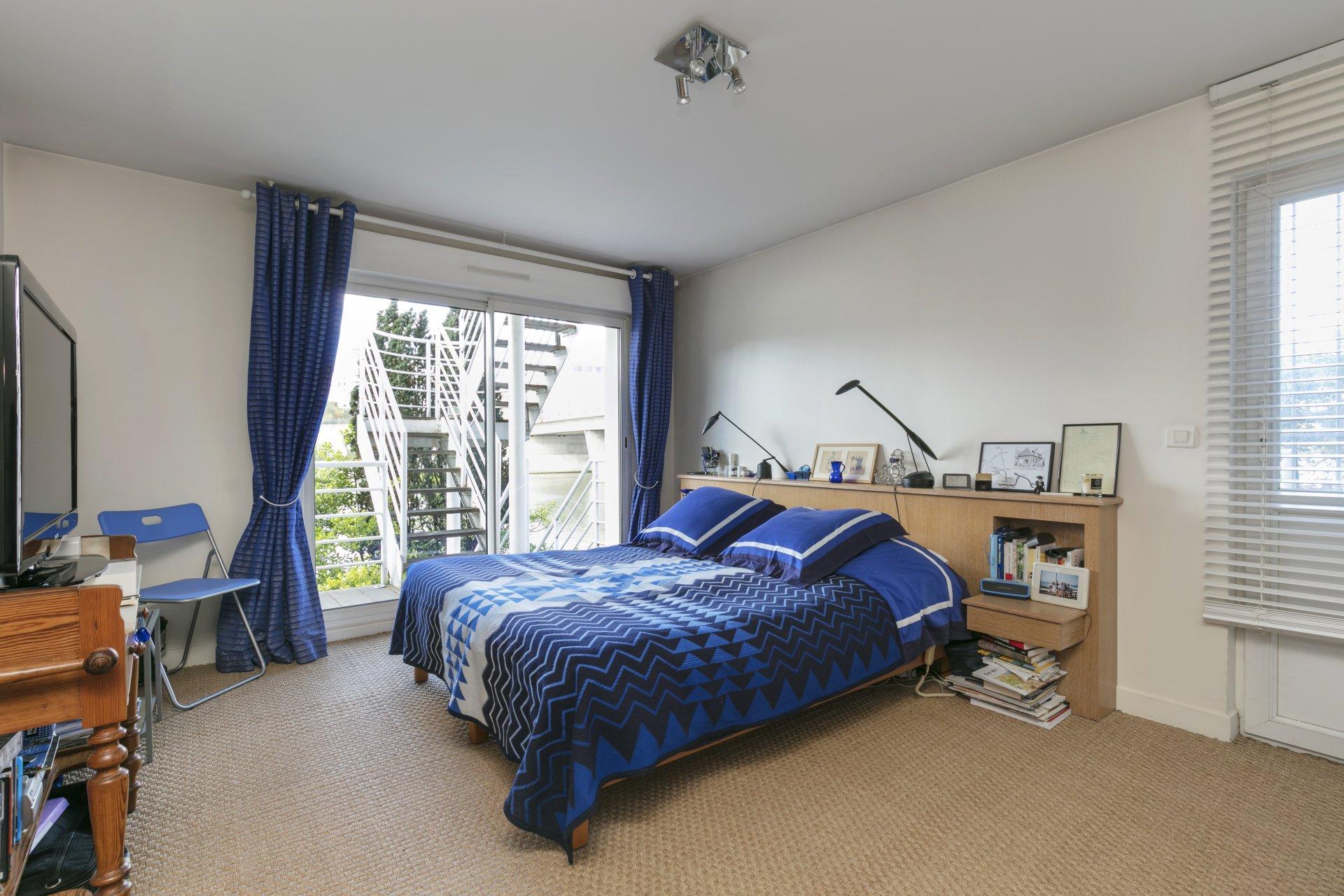 maison-familiale-a-vendre-balcon-vue-exceptionnelle-seine-jardin-proche-commerces