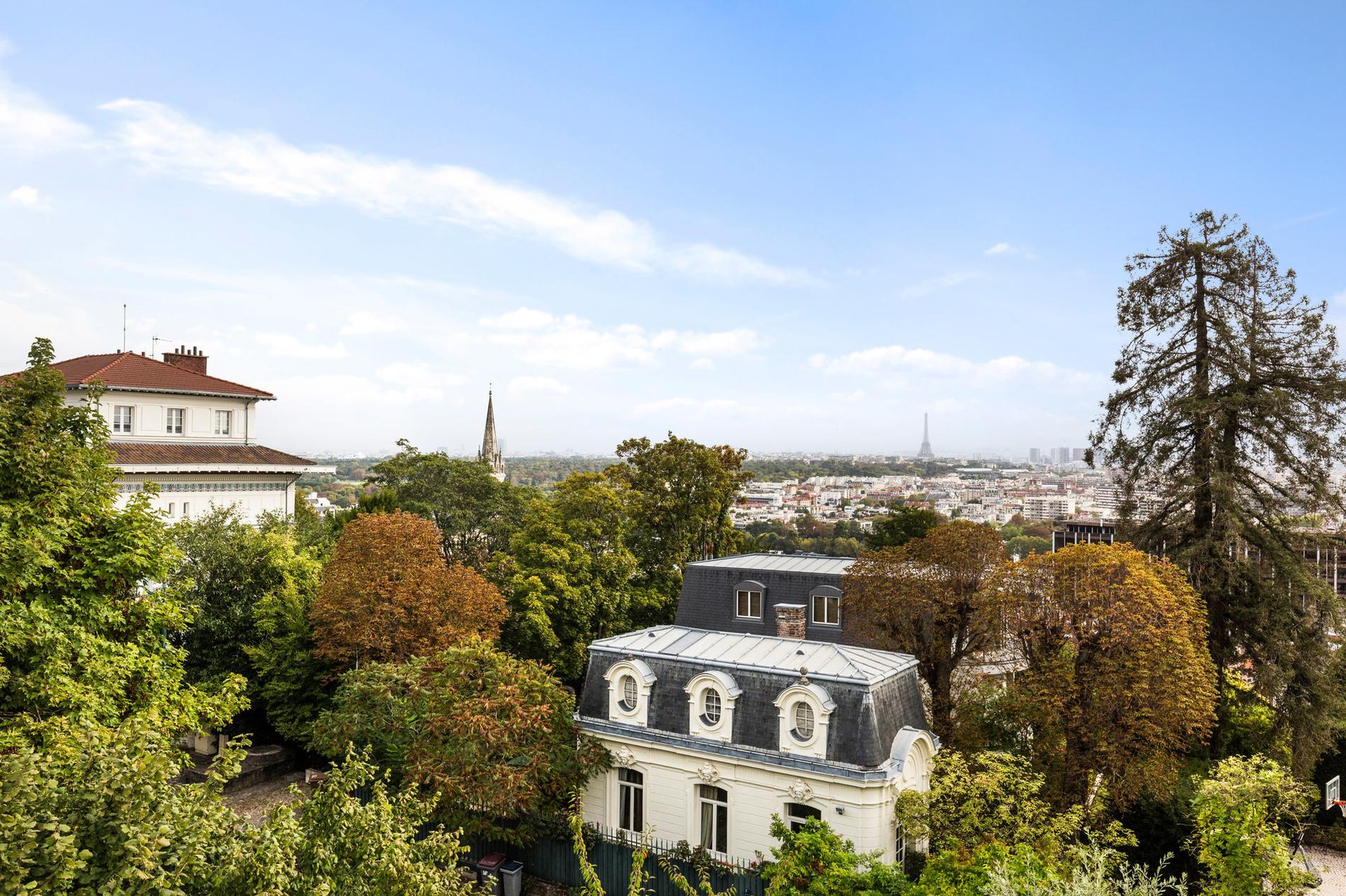 top-floor-apartment-terrace-for-sale-saint-cloud-parking-cellar-private-park-montretout