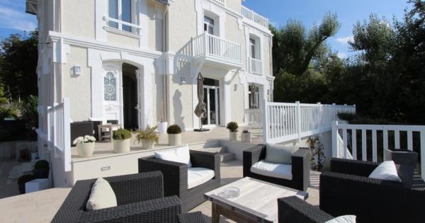 maison-contemporaine-a-vendre-saclay-terrasse-jacuzzi-buanderie-garage