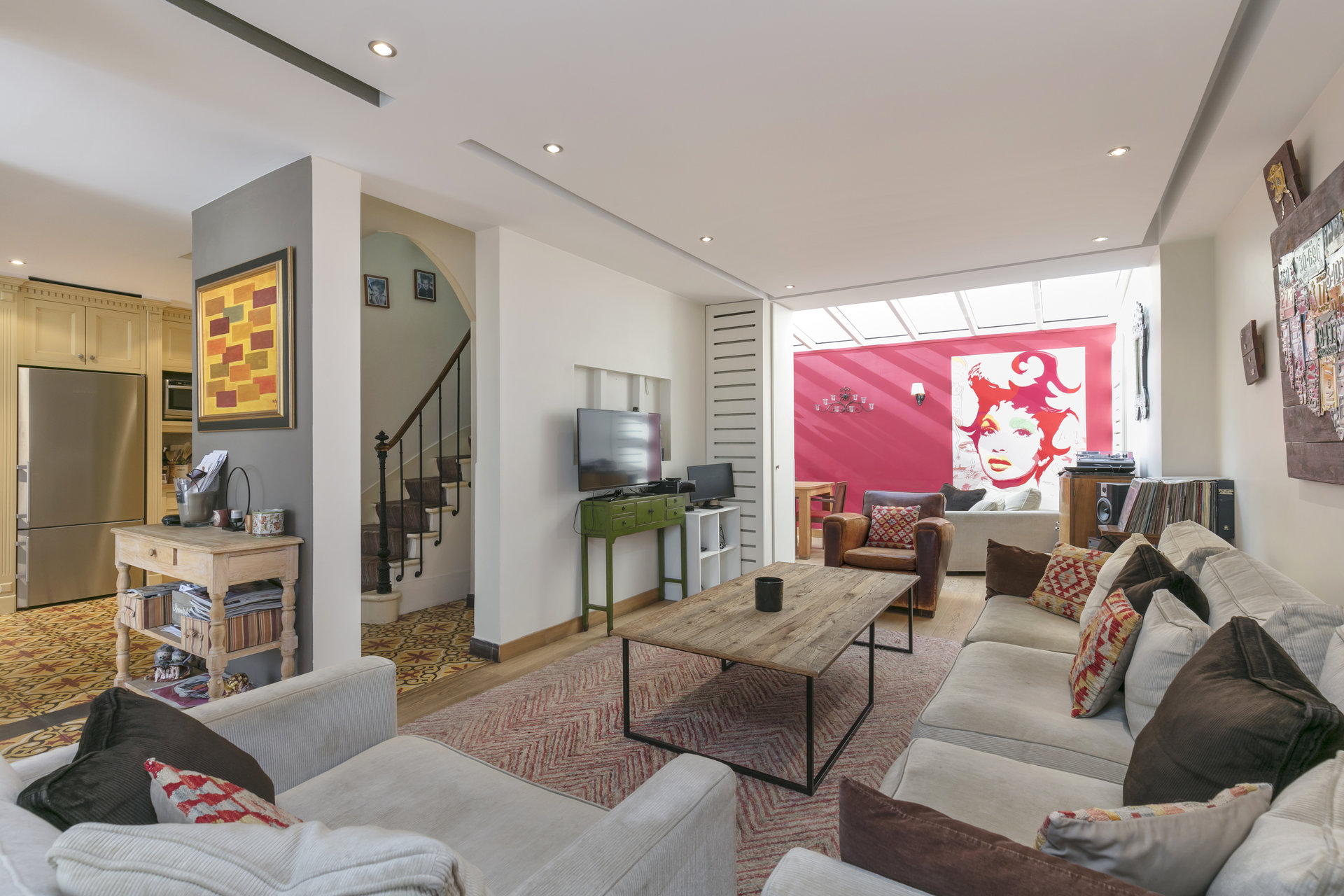 maison-maitre-a-vendre-puteaux-cour-terrasse-rue-calme-buanderie-veranda