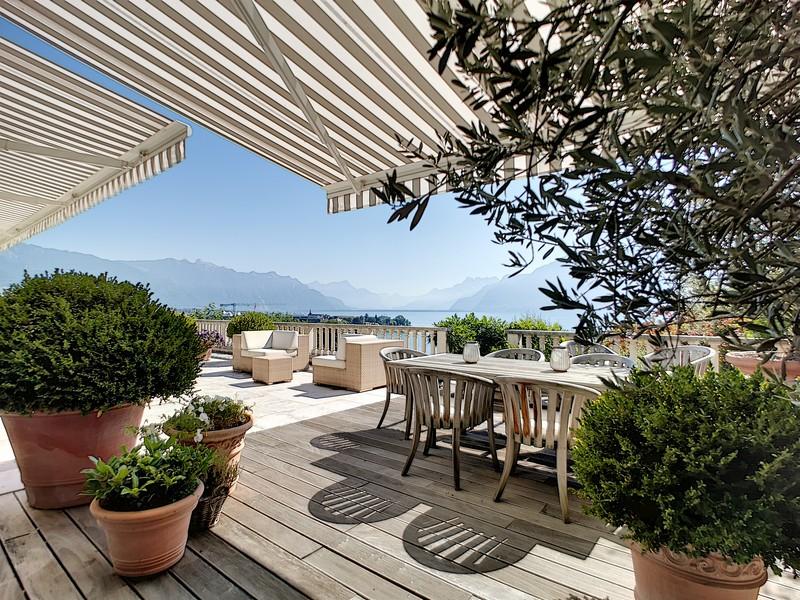 somptueuse-propriete-vue-panoramique-lac-a-vendre-corseaux-cheminee-ascenseur-prive-jardin-terrasses-piscine-interieure-chauffee