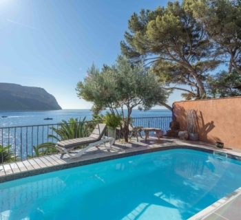 villa-for-sale-cassis-terraces-pool-balcony-sea-view-cap-canaille