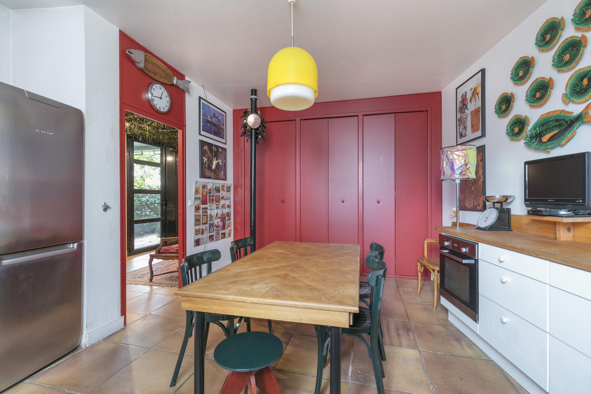 ancien-atelier-rehabilite-loft-a-vendre-rueil-malmaison-cheminee-garage-cave-espace-grenier