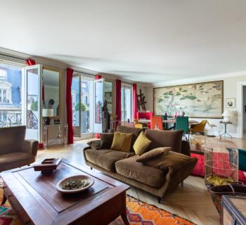 apartment-4th-floor-haussmannian-building-for-sale-parquet-moldings-concrete-cellar-balconies