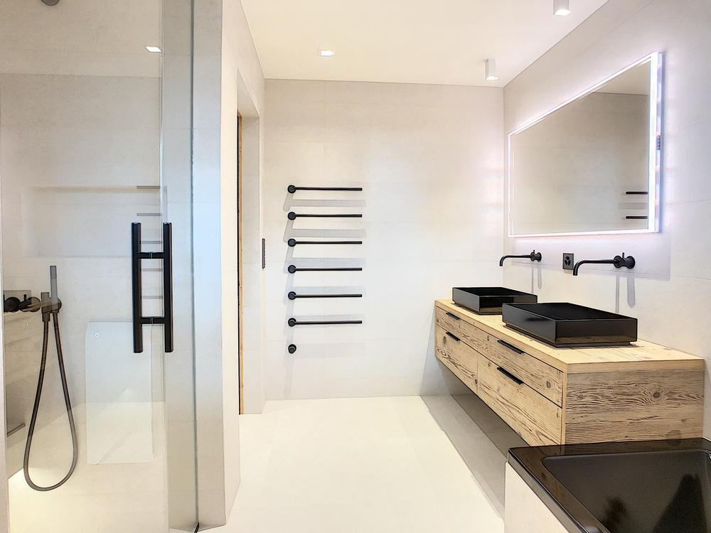 magnifique-chalet-a-vendre-lumineux-spacieux-materiaux-haut-de-gamme-ascenseur