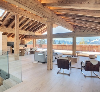 beautiful-chalet-for-sale-bright-spacious-upscale-materials-lift