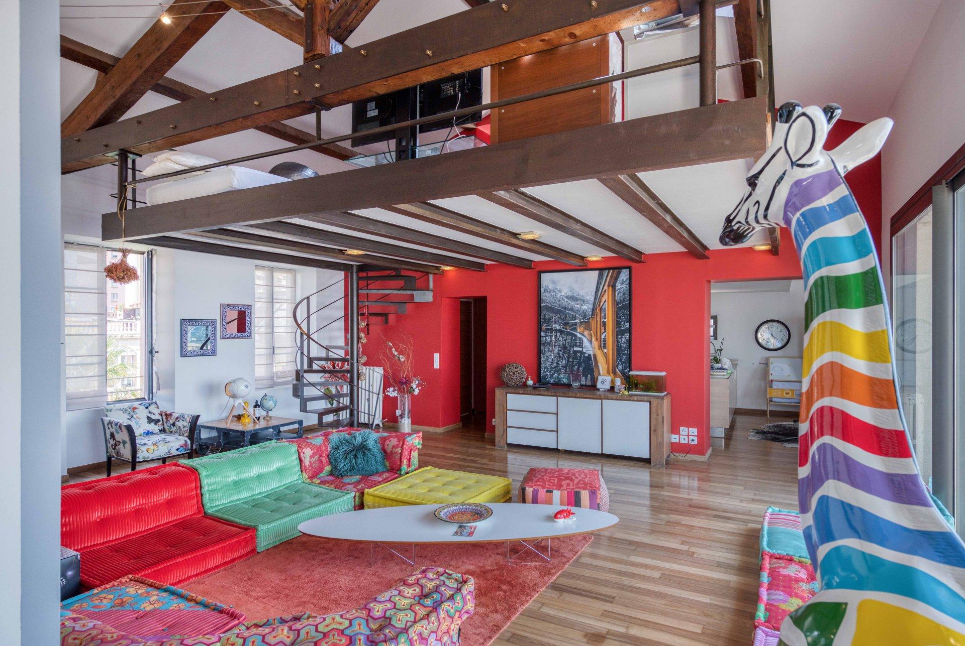 magnifique-hotel-particulier-renove-a-vendre-terrasse-piscine-cave-garage-studio