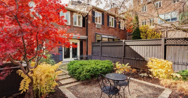 splendid-townhouse-for-sale-montreal-golden-square-mile-terrace-large-garden-garage