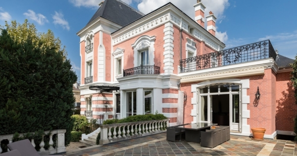 exceptional-renovated-property-magnificent-wooded-park-for-sale-saint-maur-les-fosses-converted-annexe-magnificent-terrace-fine-materials