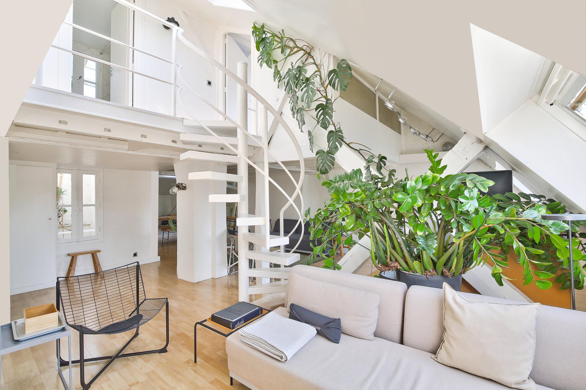 loft-atypique-a-vendre-paris-3-turenne-charme-ancien-poutres-apparentes-luminosite