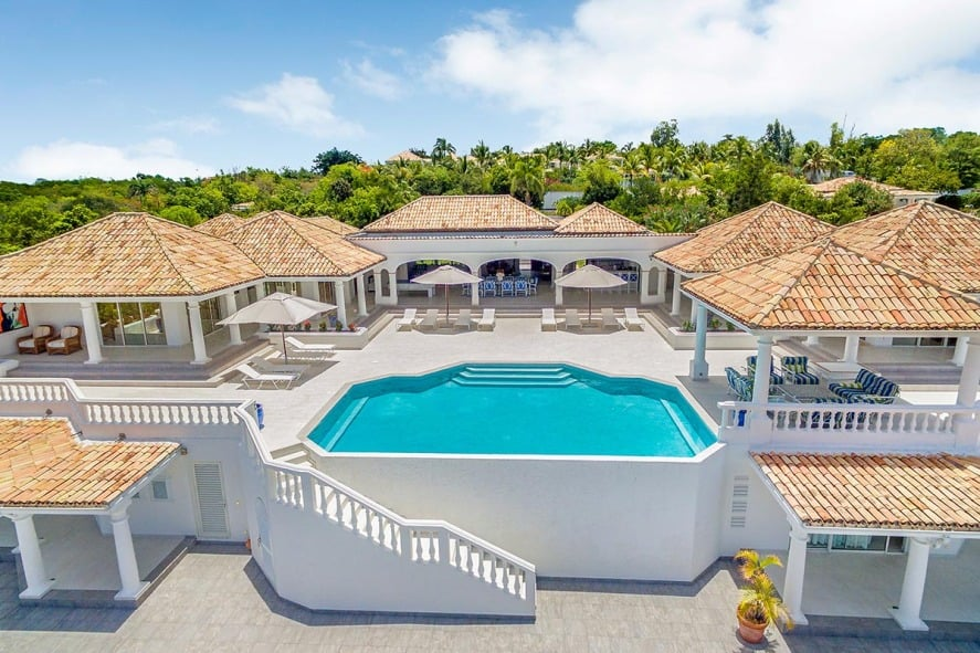 magnificent-villa-for-rent-st-martin-overlooking-baie-longue-infinity-pool-independent-cottage