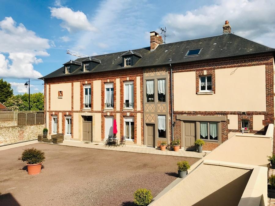 propriete-maisons-style-hotel-particulier-a-vendre-honfleur-buanderie-grenier-amenageable-parquet-moulures-boiseries