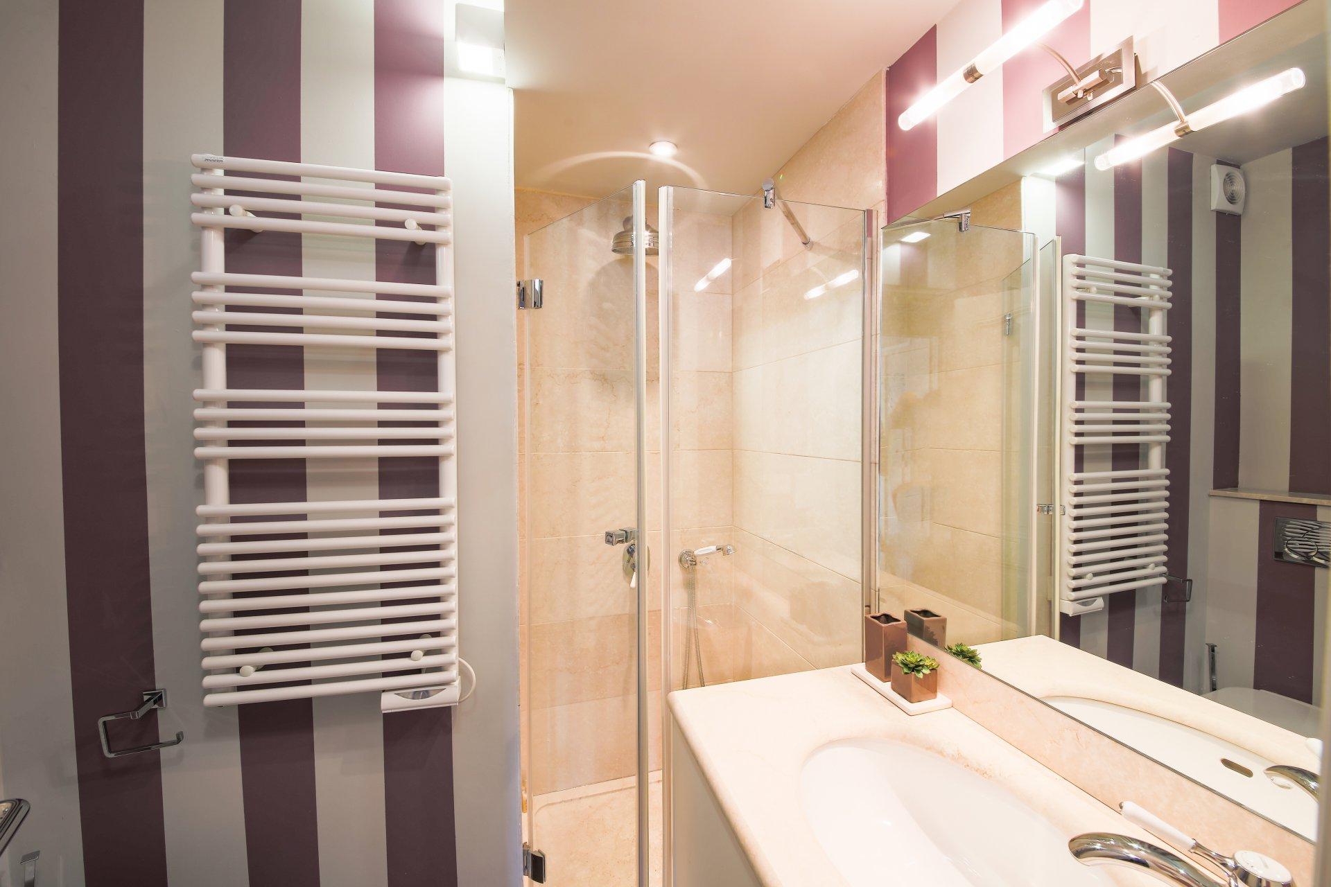 appartement-exception-magnifique-vue-mer-village-a-vendre-vaste-sejour-lumineux-cheminee-charme-ancien-prestations-luxueuses