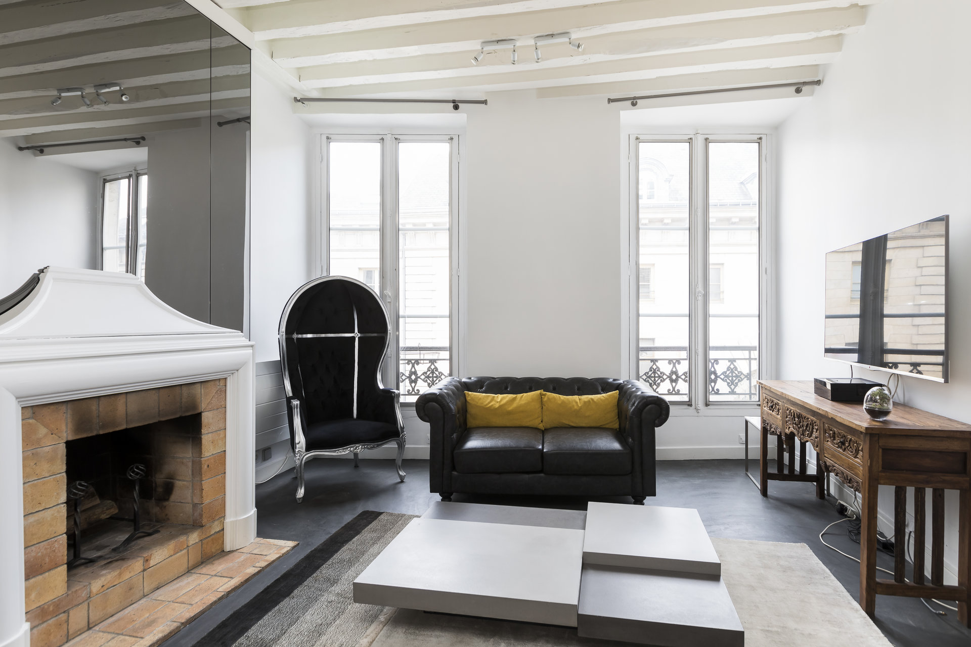 charming-duplex-for-sale-rue-faubourg-saint-honore-fireplace-cellar-recent-renovation
