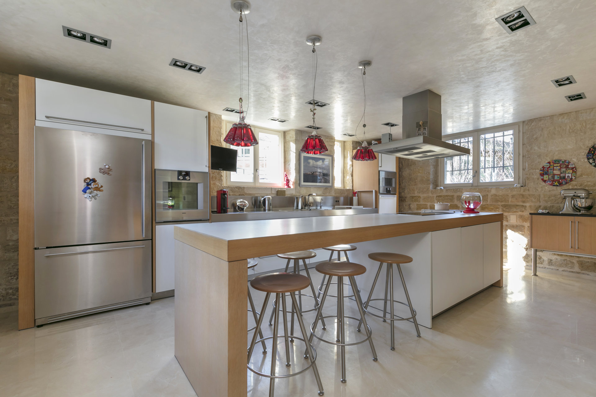 mansion-for-sale-chatou-fitted-kitchen-office-independent-house-garden-terrace