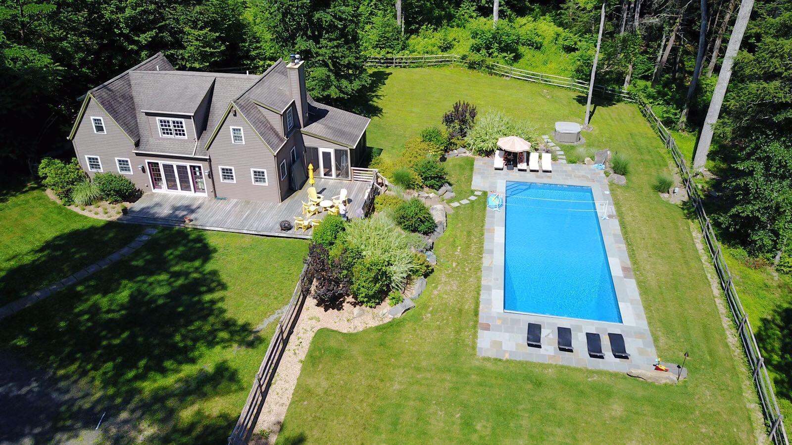 magnificent-modern-bright-villa-for-sale-stone-ridge-ground-pool-garage-land-jacuzzi