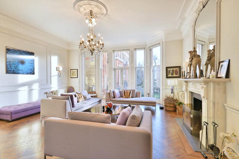 maison-familiale-magnifiquement-renovee-a-vendre-quartier-the-boltons-vue-degagee-hauts-plafonds